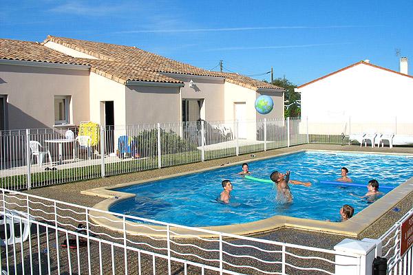 Villas meubl es louer pour des vacances marennes - Residence vacances var avec piscine ...