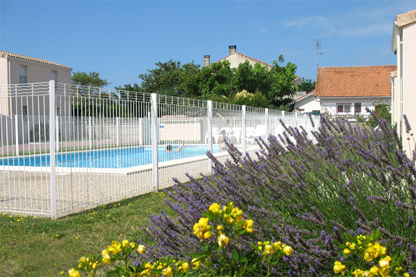 Villas meubl es louer pour des vacances marennes for Villa charente maritime avec piscine